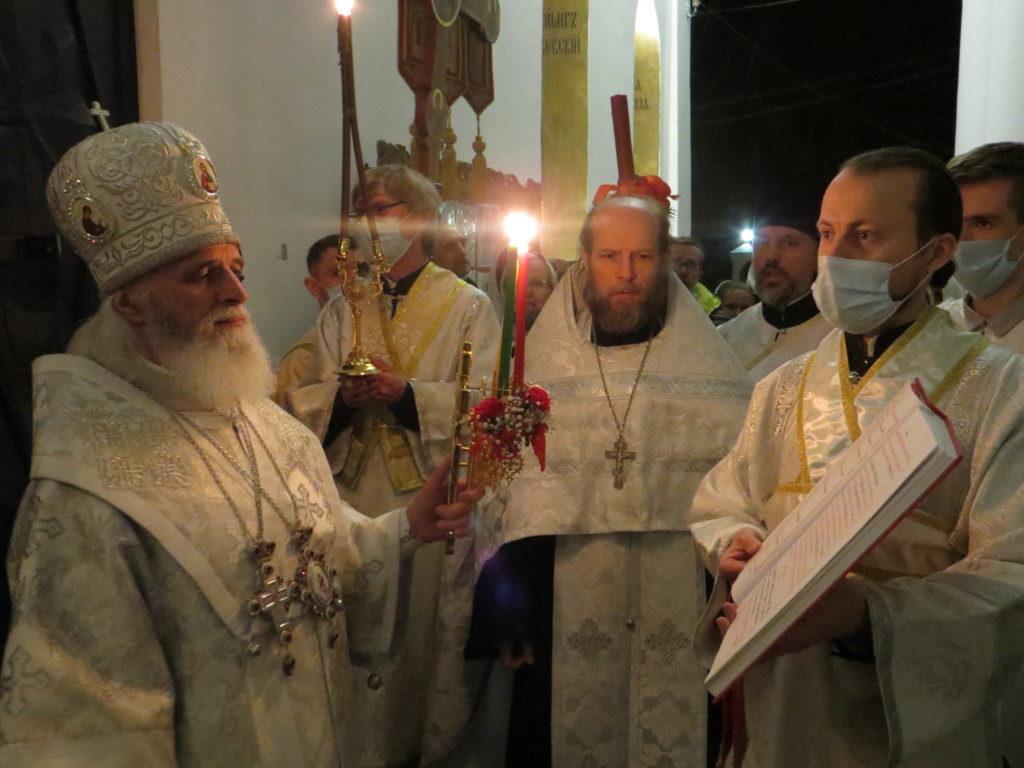Пасхальное богослужение в Оковецком соборе