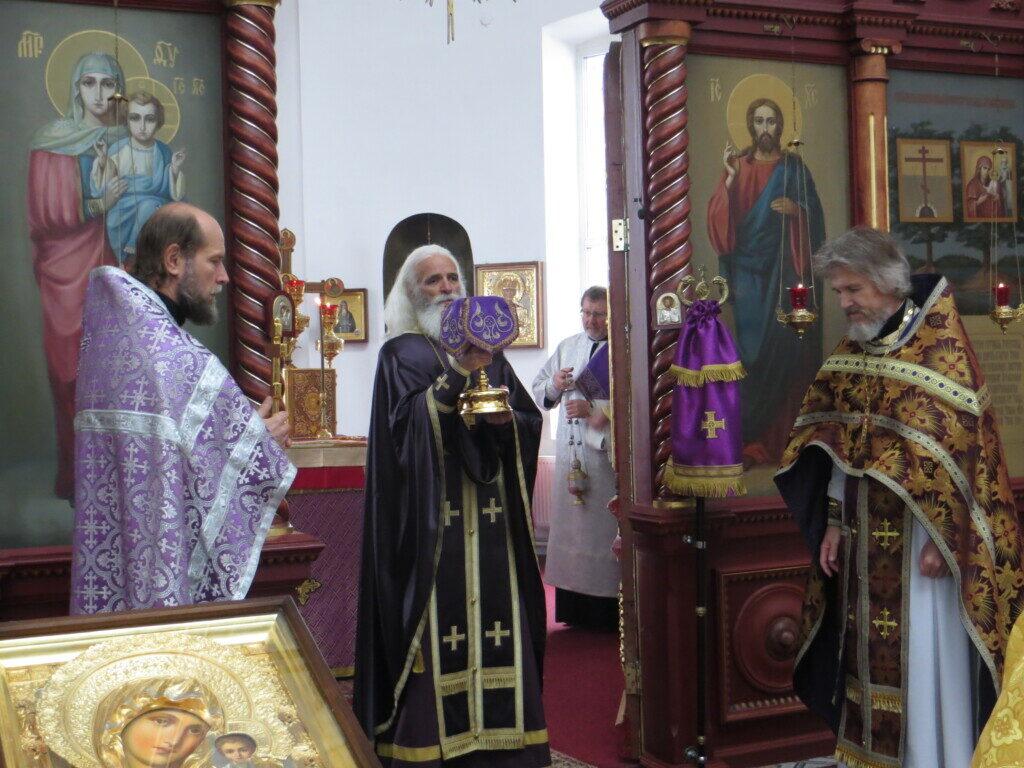 В праздник Воздвижения Креста Господня